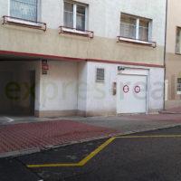 Pronájem, garážové stání, 15 m², Praha 4 - Podolí, ul. Sinkulova